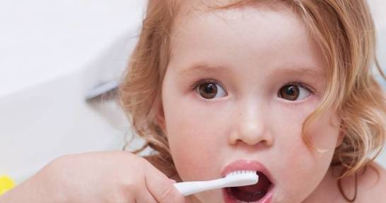 Jak nauczyć dziecko myć zęby?